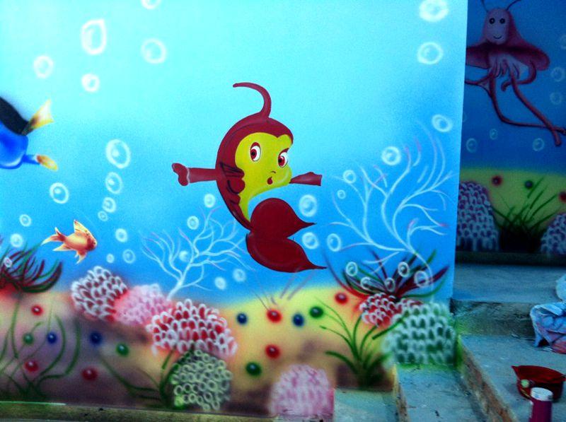这种颜料手绘的壁画在潮湿环境下可以保持30年不褪