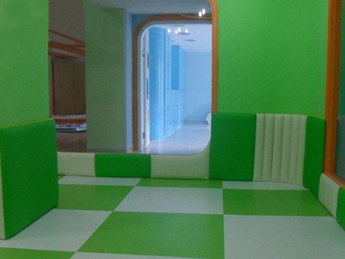 绿色主题幼儿园墙面软包效果图