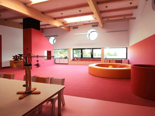 国外设计波兰黄色大象幼儿园室内游乐场效果图
